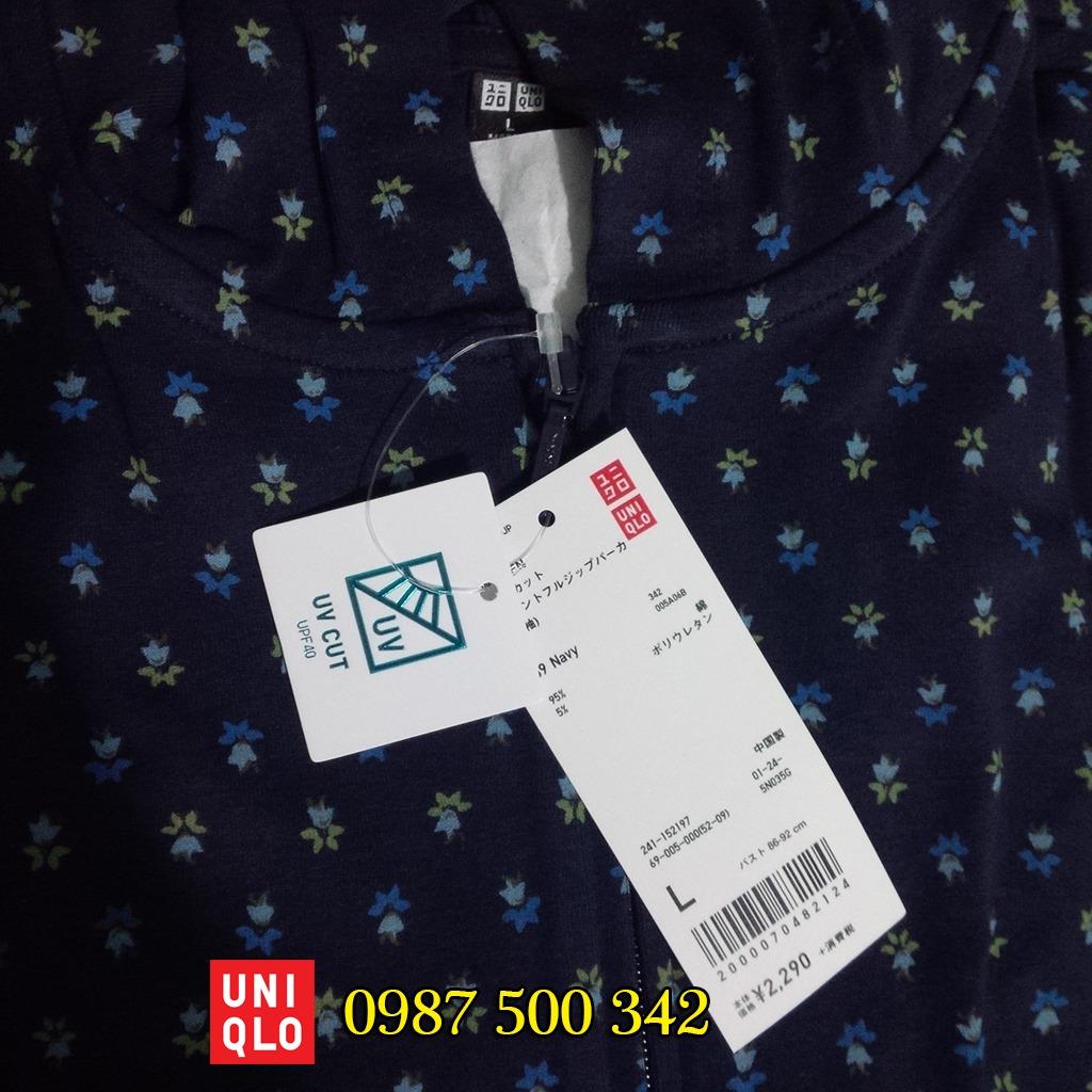 Áo chống nắng Uniqlo tím than họa tiết hoa nhí