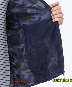 Túi trong áo rằn ri xanh biển Uniqlo
