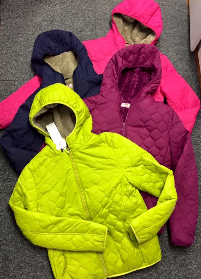 áo trần trám lót lông cừu hàng nhái có nhiều màu sắc sặc sỡ