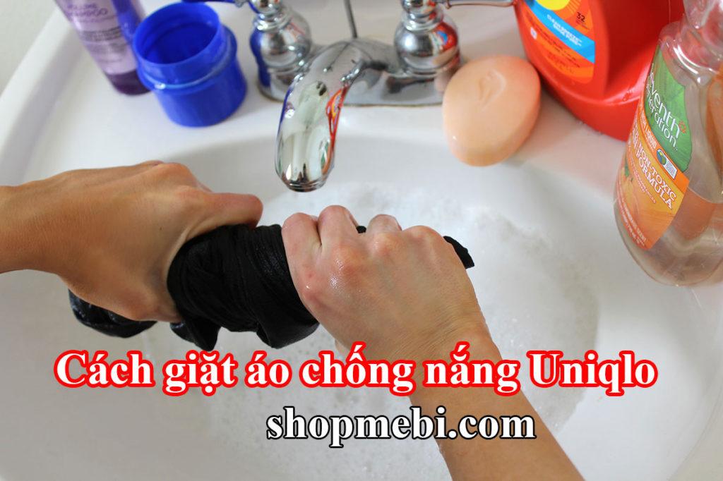 Cách giặt áo chống nắng Uniqlo chuẩn