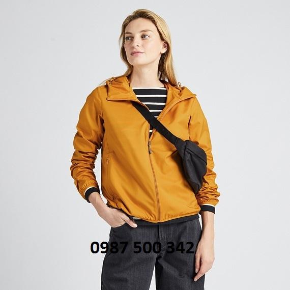 Áo gió nữ Uniqlo 2019 màu vàng nghệ 47 YELLOW