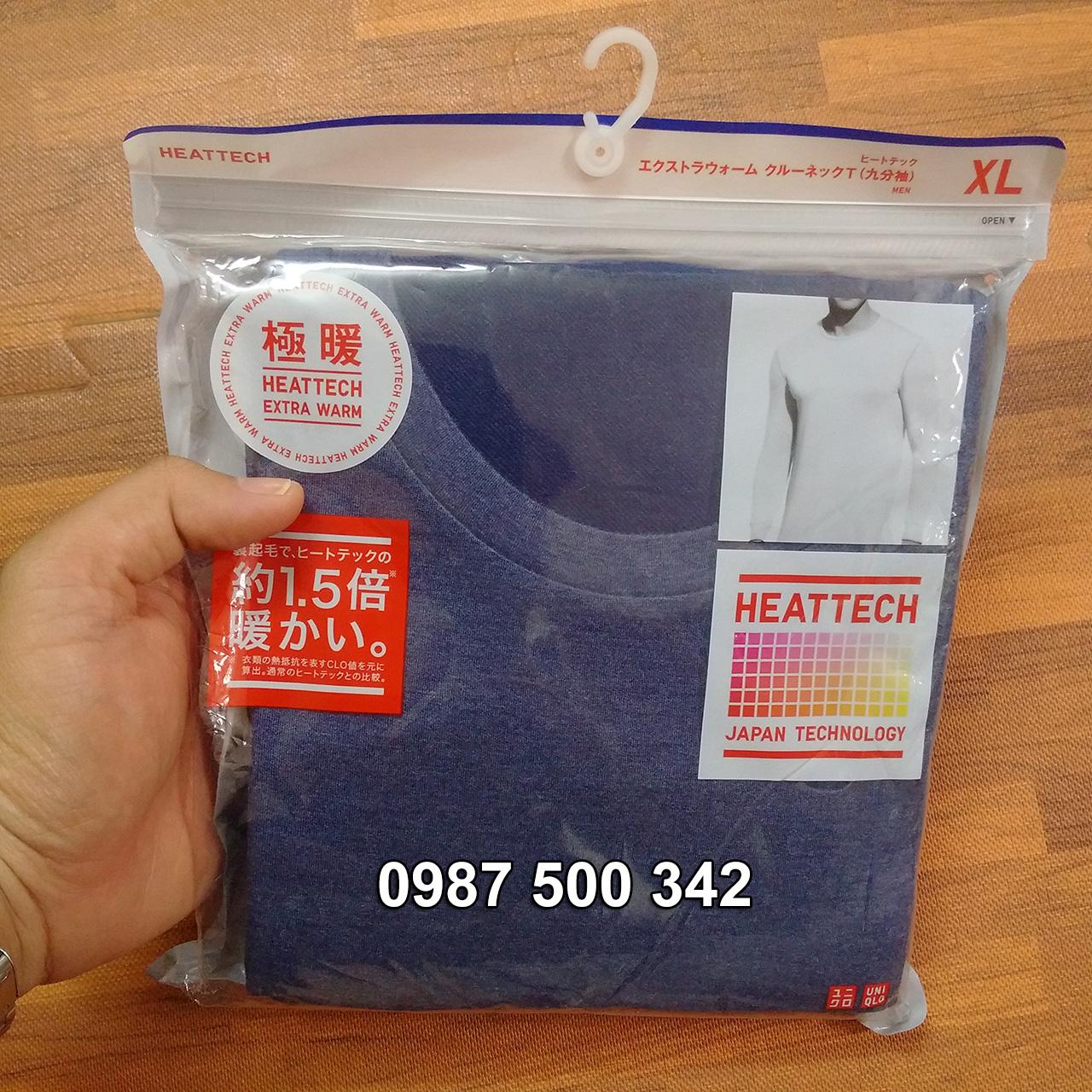 Ảnh thật áo giữ nhiệt nam cổ tròn Heattech Extra Warm màu xanh biển 67 Blue