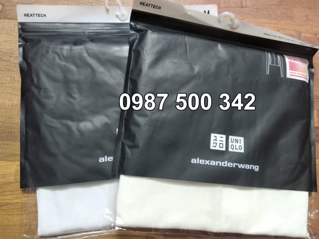Áo giữ nhiệt Uniqlo Alexander Wang vải mịn màu trắng sáng còn áo vải vân tăm là trắng sữa