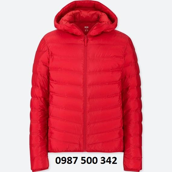 Áo lông vũ nam có mũ Uniqlo Ultra Light Down màu đỏ 15 RED loại vải ép nhiệt
