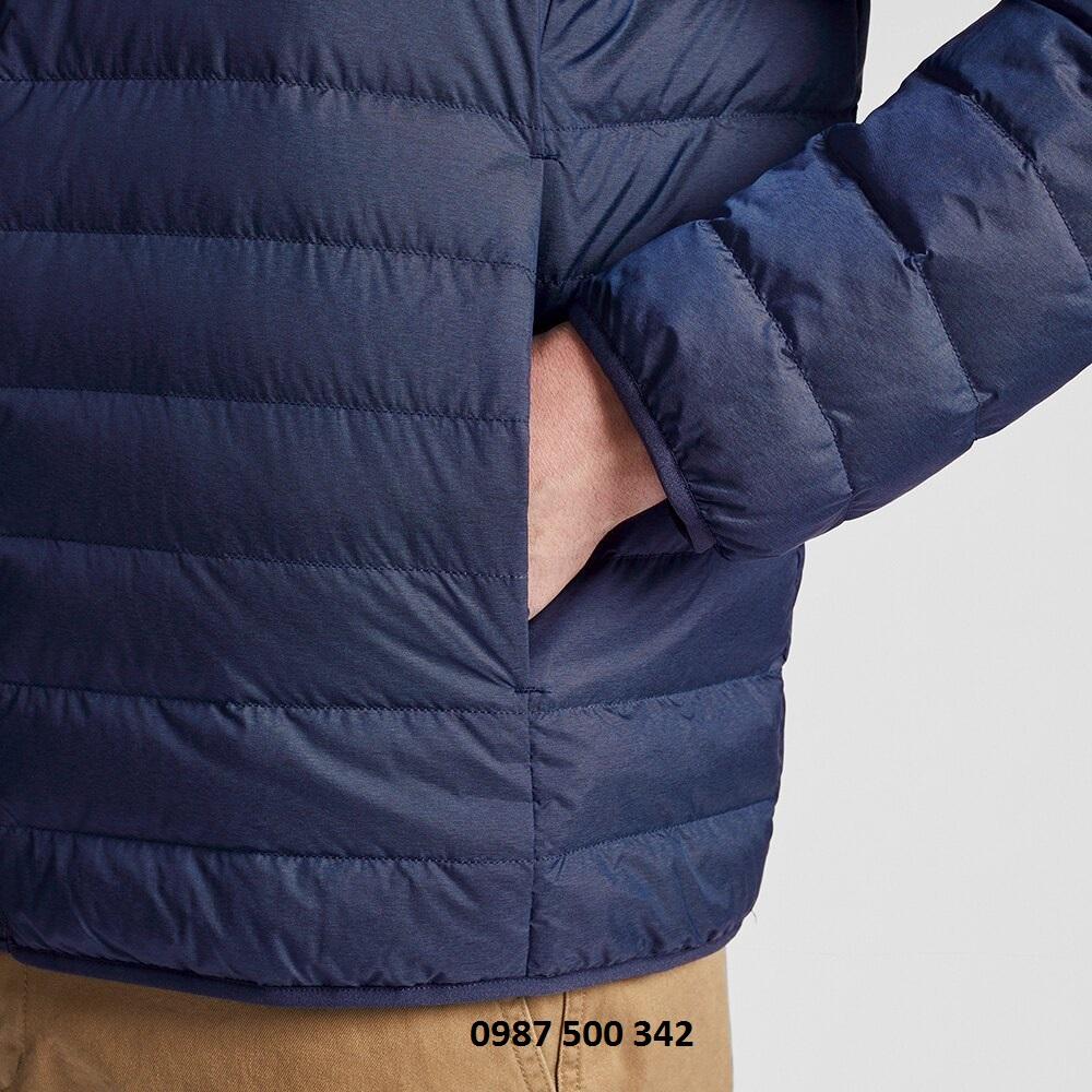Tay áo và túi áo lông vũ nam cổ trụ không mũ Uniqlo 2019 mã 419994