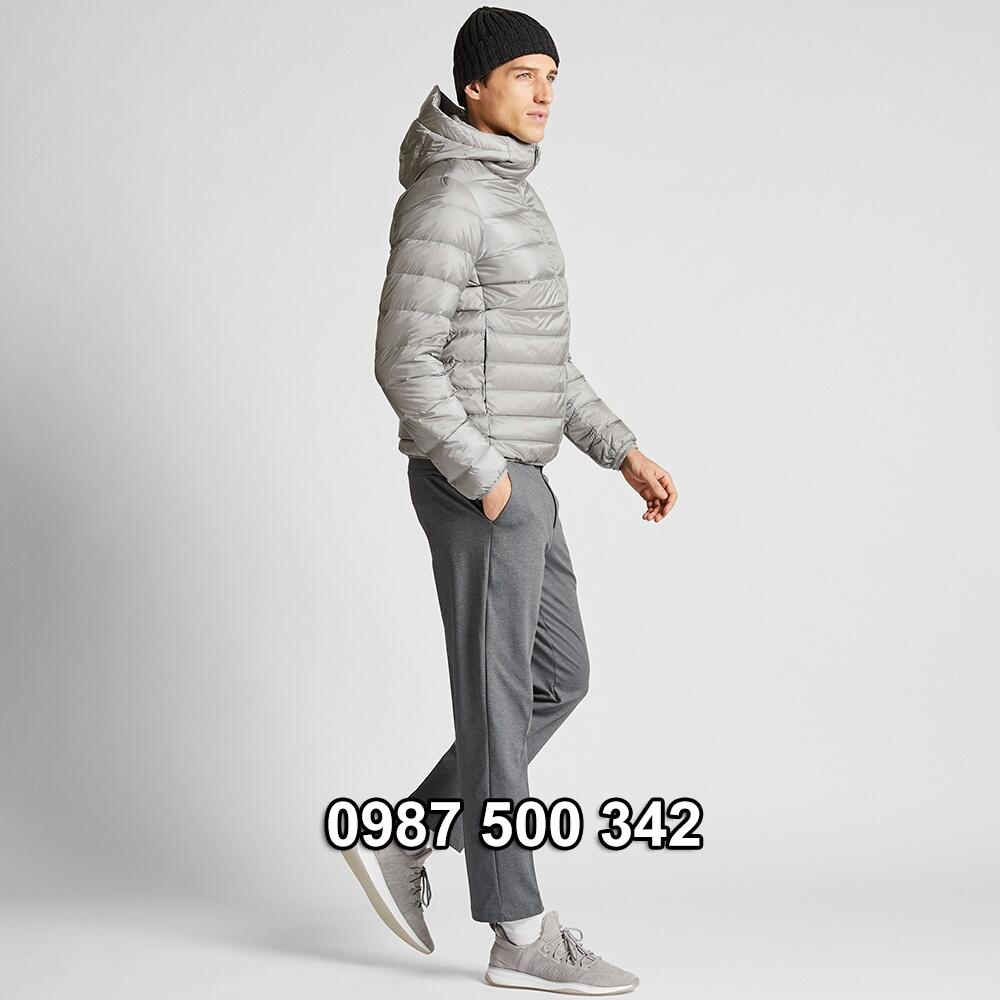Dáng áo áo lông vũ nam có mũ Uniqlo 2019 - 2020 mã 420314