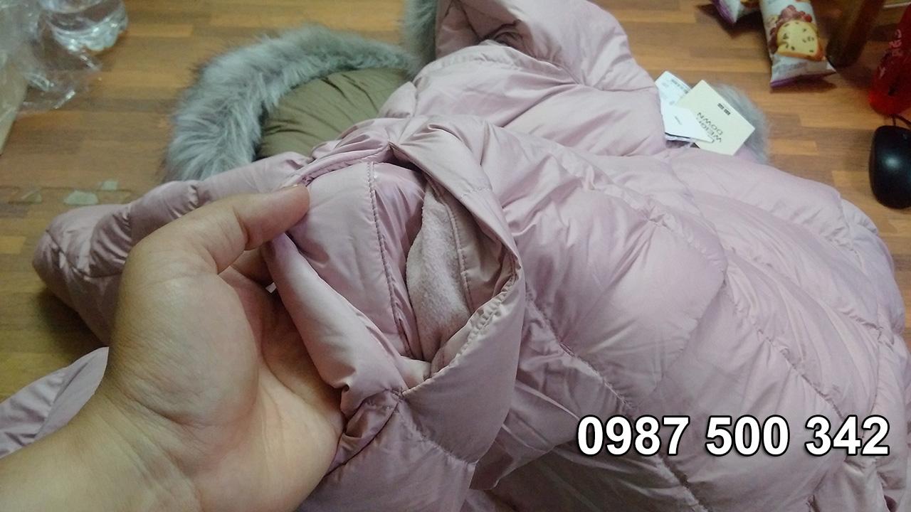 Túi ngoài áo, bên trong túi có lót lớp nỉ mịn