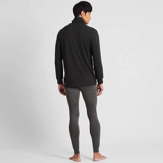 Mặt sau áo giữ nhiệt nam cổ lọ Heattech Ultra Warm Uniqlo