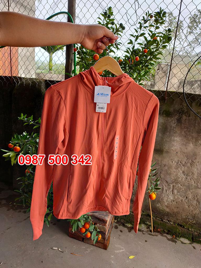 Ảnh thật áo chống nắng Uniqlo màu cam 23 ORANGE mã 413363