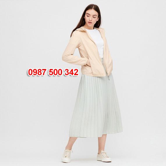 Áo gió nữ Uniqlo Nhật Bản 2020 mã 424576 màu be 31 BEIGE