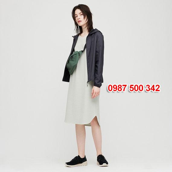 Áo gió nữ Uniqlo Nhật Bản 2020 mã 424576 màu xanh đen 69 NAVY