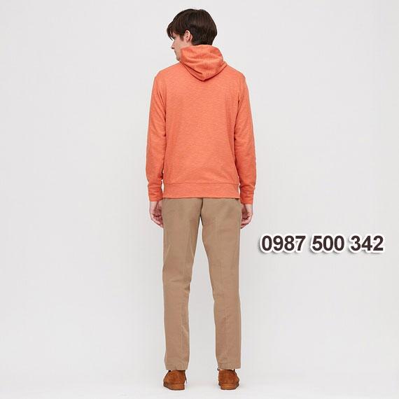 Mặt sau áo chống nắng nam Uniqlo 2020