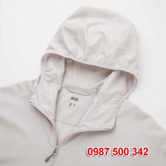 Mũ áo gió nam Uniqlo 2020