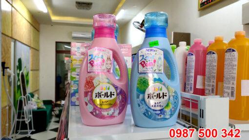 Chai nước giặt xả gel ball P&G Nhật Bản 850ml màu hồng, xanh