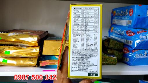 Bột lúa mạch Nhật Bản Golden Aojiru 3gr x 46 gói mang đến nguồn khoáng chất, vitamin và chất xơ thiết yếu giúp cải thiện tình trạng sức khỏe cho bạn.