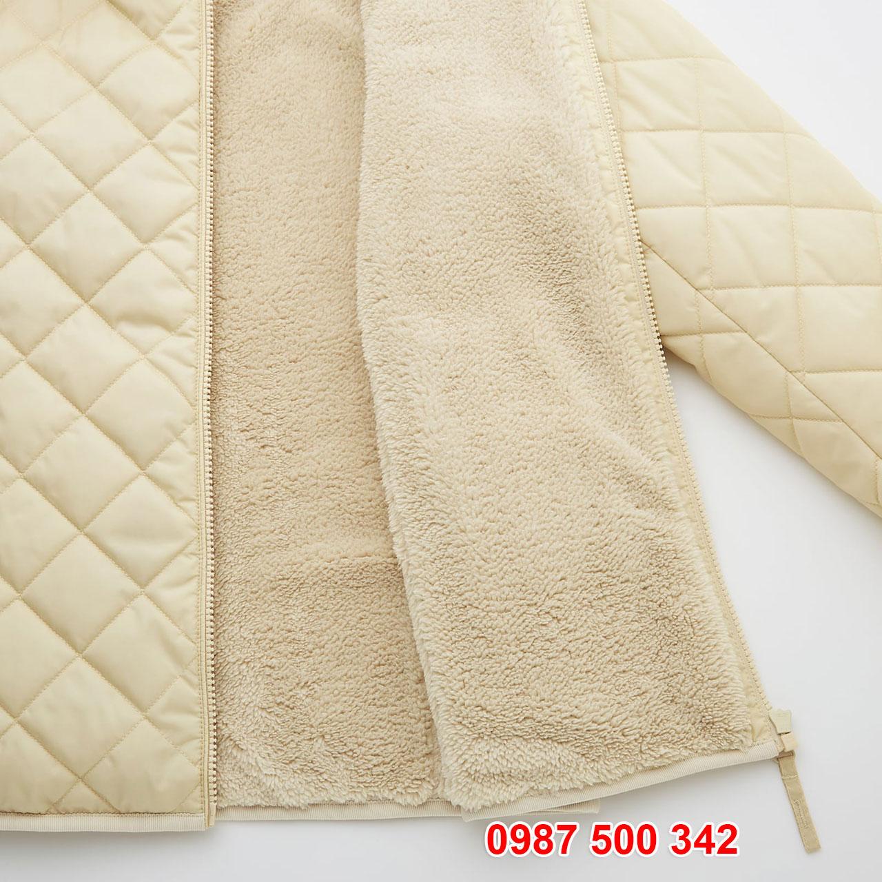 Chi tiết lớp lông giả lông cừu bên trong Áo khoác chần trám lót lông cừu Uniqlo 2020 - 2021 mã 432295