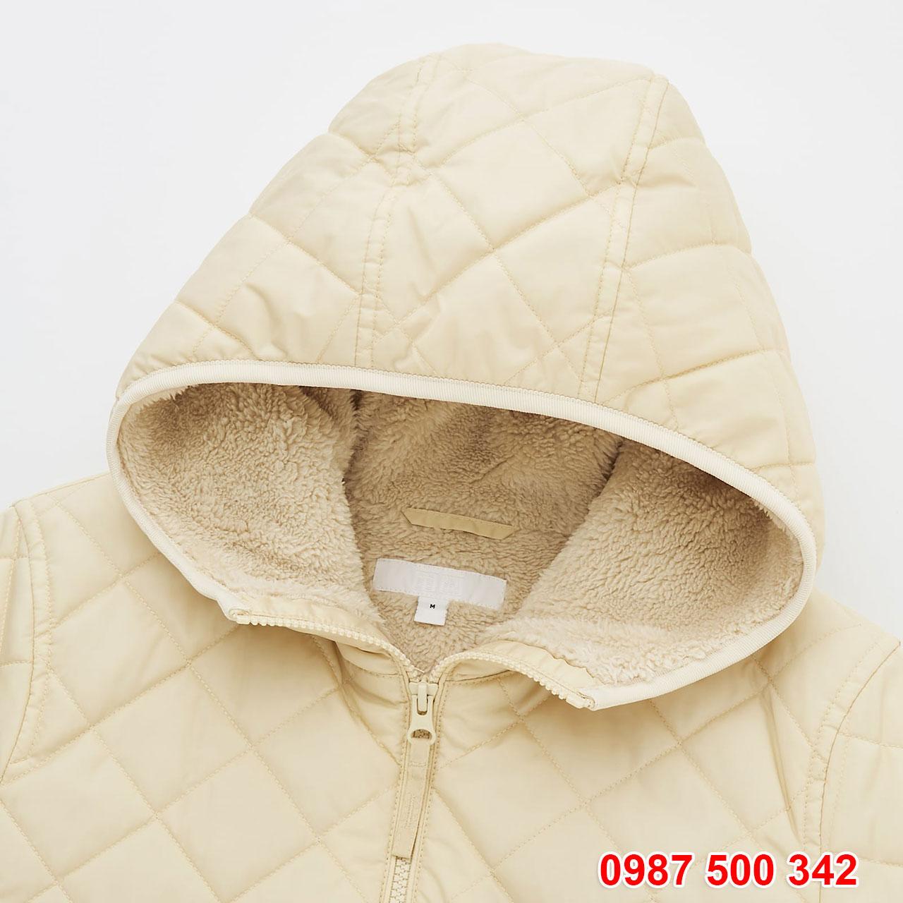 Chi tiết mũ Áo khoác chần trám lót lông cừu Uniqlo 2020 - 2021 mã 432295