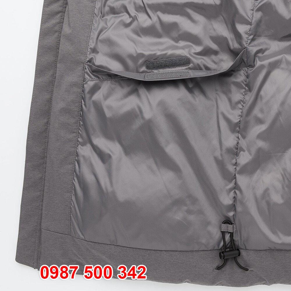 Túi áo bên phải phía dưới dạng dán