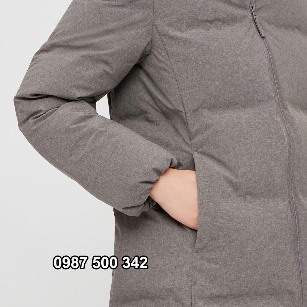 Túi áo lót nỉ bên trong, màu nỉ giống màu áo