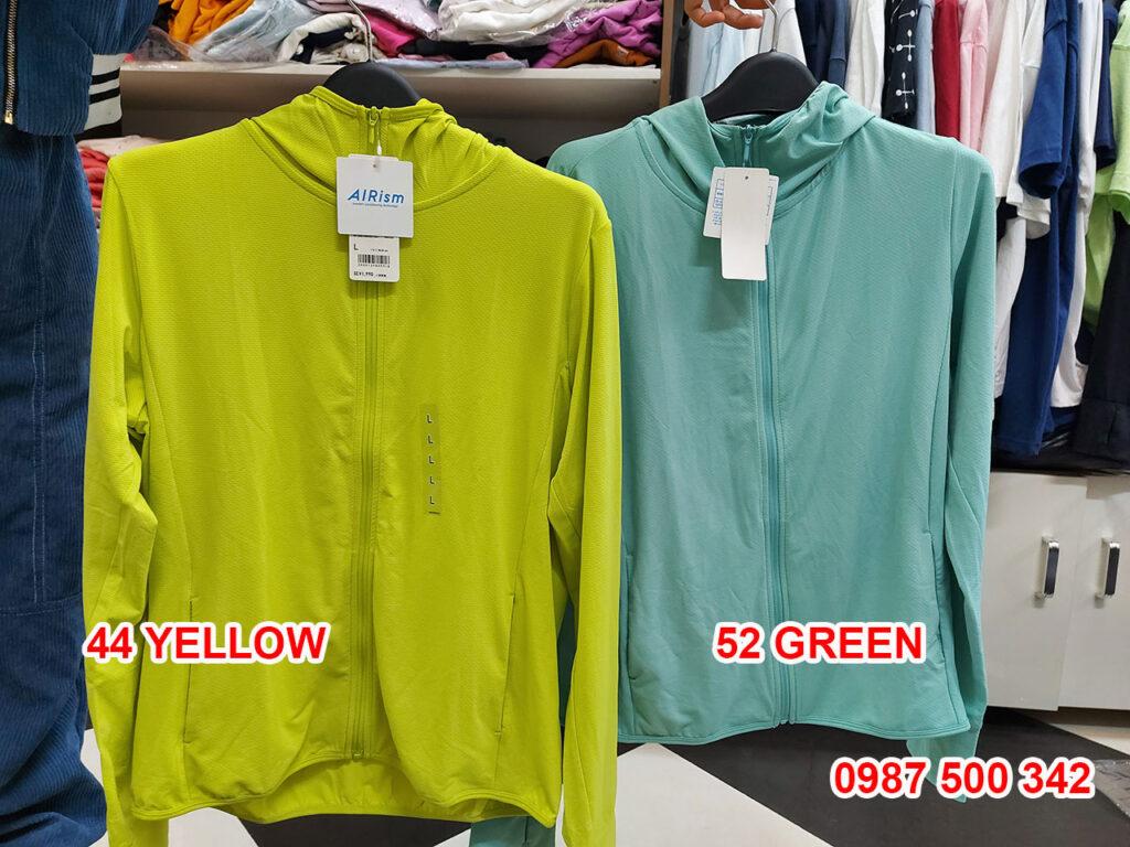 Ảnh thật áo chống nắng Uniqlo màu xanh chuối 44 YELLOW và xanh ngọc 52 GREEN