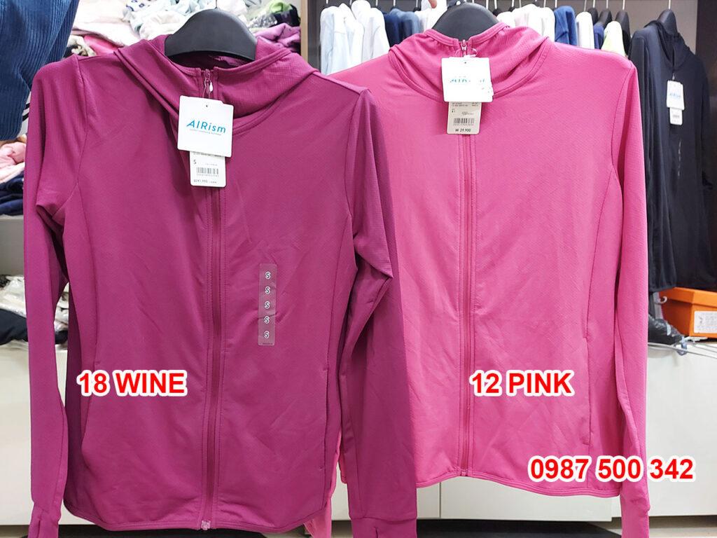 Ảnh thật áo chống nắng Uniqlo màu rượu vang 18 WINE và màu hồng đậm 12 PINK